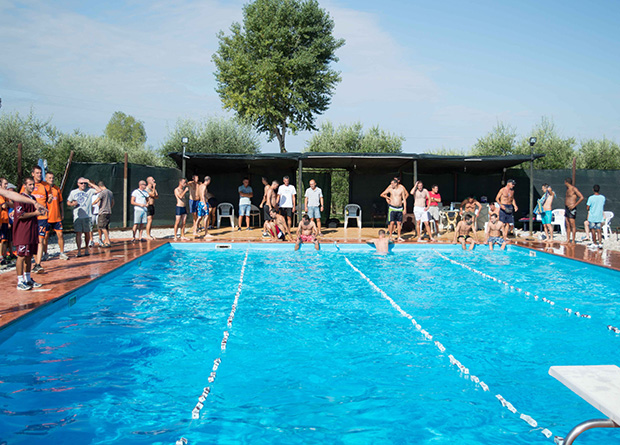 Attività di nuoto in comunità