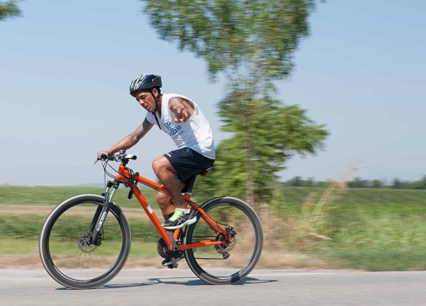 Attività di ciclismo in comunità